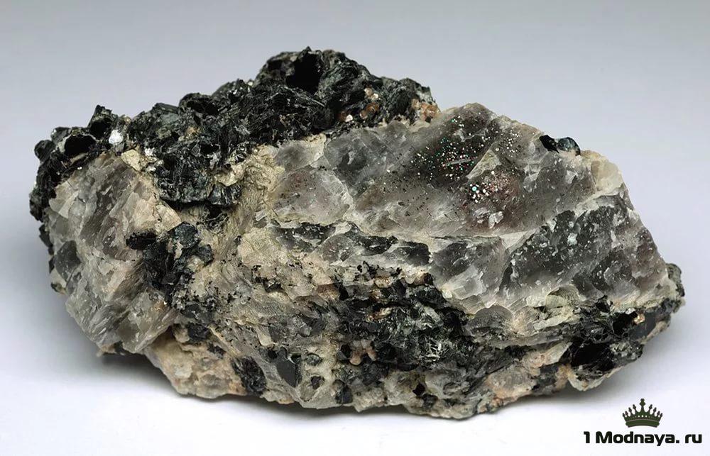 Камен� Ци�коний �вой��ва и зна�ение Фо�о 1modnayaru